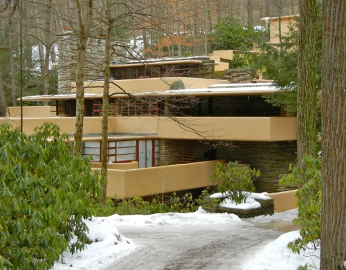 Frank Lloyd Wright's Fallingwater (1936), Mill Run, Pennsylvania