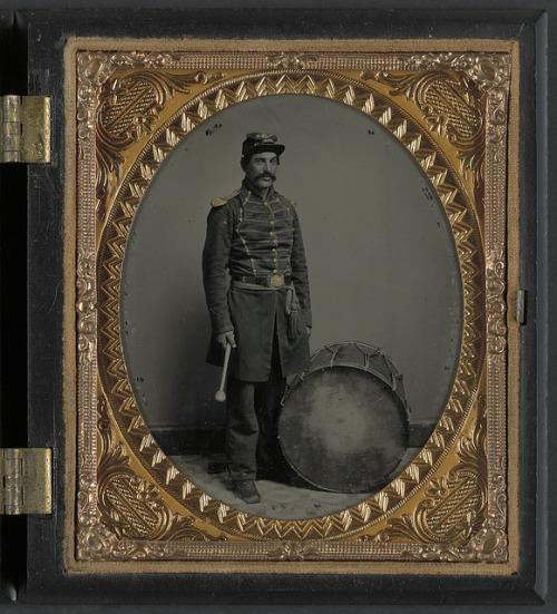 [Unidentified soldier in Union uniform with bass drum] (LOC) by The Library of Congress on Flickr.