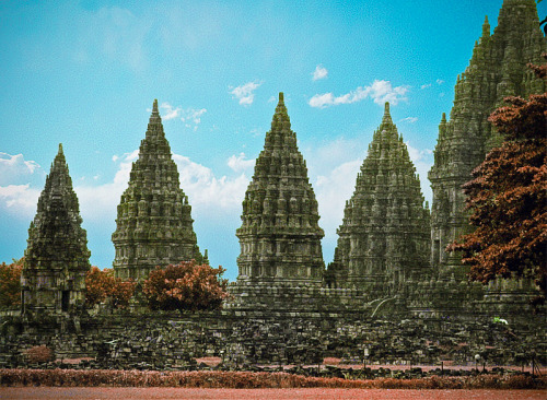 ecchandiary:  @FirstMedia_IND Borobudur on Infra Red View