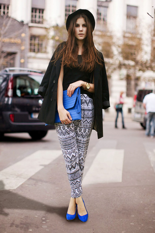 fuckyeahiamjealousofyourhair:  lookbookdotnu:  AZTEC vs. POP OF BLUE (by M. K.)   (via imgTumble)