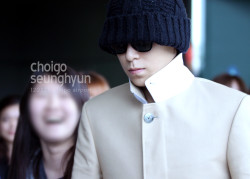 TOP at Gimpo Airport, back from Japan March, 23rd 2012 flawless!