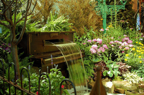 bluepueblo:  Piano Garden, Philadelphia, Pennsylvania photo via thefan