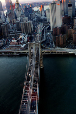 over the brookyln bridge by Tony Shi. on Flickr.