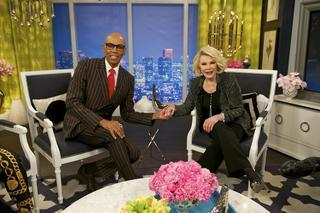 RuPaul - Tonight, @RuPaul joins the Fashion Police as our special guest!! Tune in at 10pm on E!