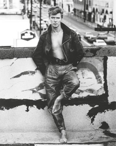 hobbitology:  bowie. this is easily the sexiest picture of anyone ever.  Good morning sexy David Bowie.