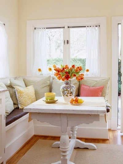 lapetitefashionistablog:  Definitely want a breakfast nook at my new place'
