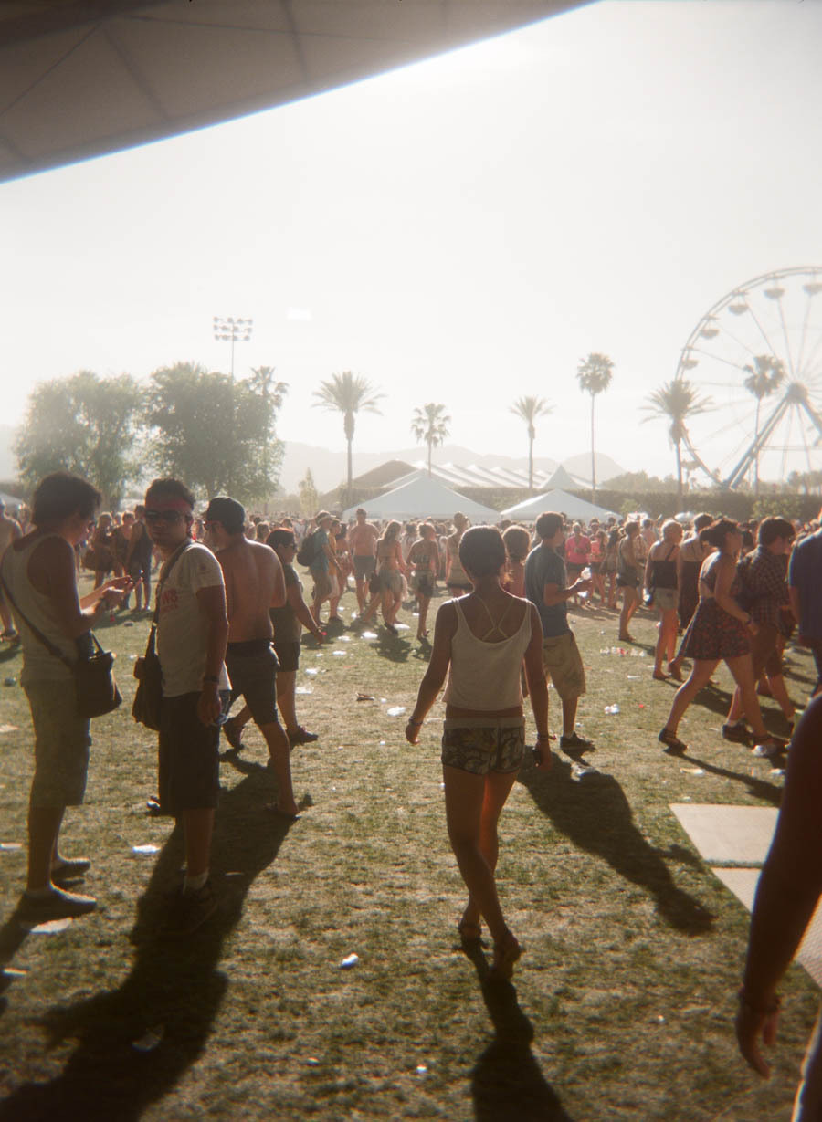 one of my favorite scenes of coachella 2011, one of the few good shots out of the 3 rolls shot with the holga, 12fv
