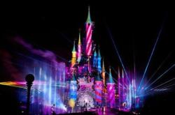 "faithandimagination:  be-magical:  FIRST LOOK: Disney's Dreams! - Disneyland Paris  ""We're gonna bring the second star to right and ignite it above the castle!"" - Steven Davidson, Walt Disney Imagineering. (more info…)   OHHHHH MYYYYY GODDDDDDD"