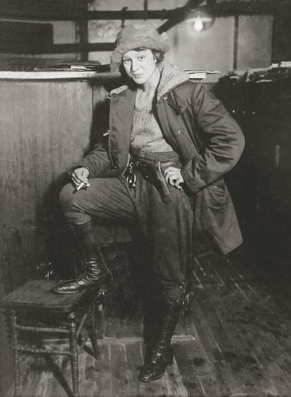 historicphoto:  In 1920 Rosetta Zimmerman was the first woman to be appointed as a deputy fish and game warden of Ohio.Year taken:1920