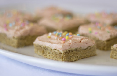 gastrogirl:natural sugar cookie bars.