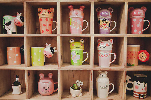 uteki:  An Assortment of Interesting Mugs (by  Alvin W. Kim)