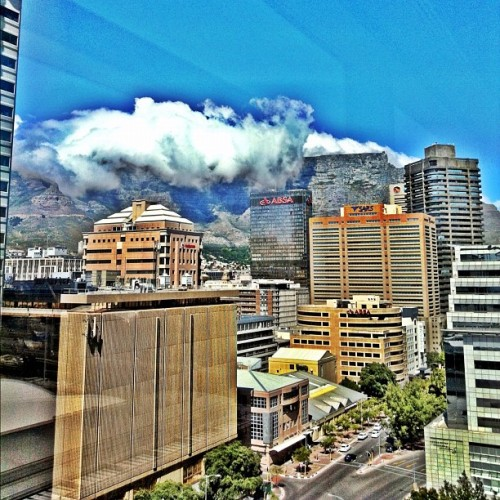 the.clouds.hang #iphoneographyza #iphoneography #clubsocial #iphoneza #instagood #instahub #igers_sa #domlnlc #picoftheday #iphone #capetown  (Taken with instagram)