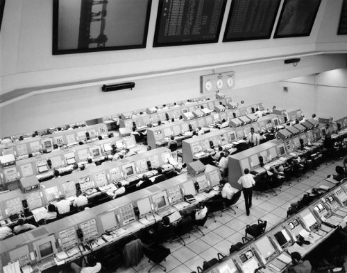 Firing room at Complex 39 during the Skylab 4 countdown test, 6 November, 1973 (via Retro Space Images).