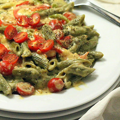 Spinach Penne with Red Bell peppers, Cherry tomatoes in Chipotle Habanero garlicky Cashew cream sauce - vegan