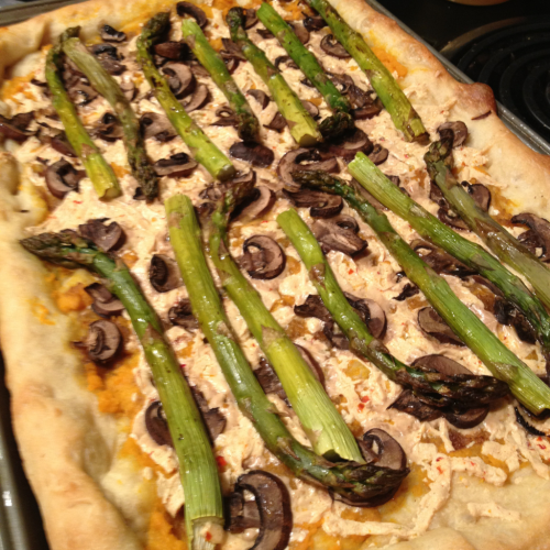 reblogged from lcryan01:  Pizza with mushrooms, roasted asparagus, and sweet potato purée (boiled sweet potatoes, olive oil, salt and minced garlic).  Clearly a grownup made this pizza!