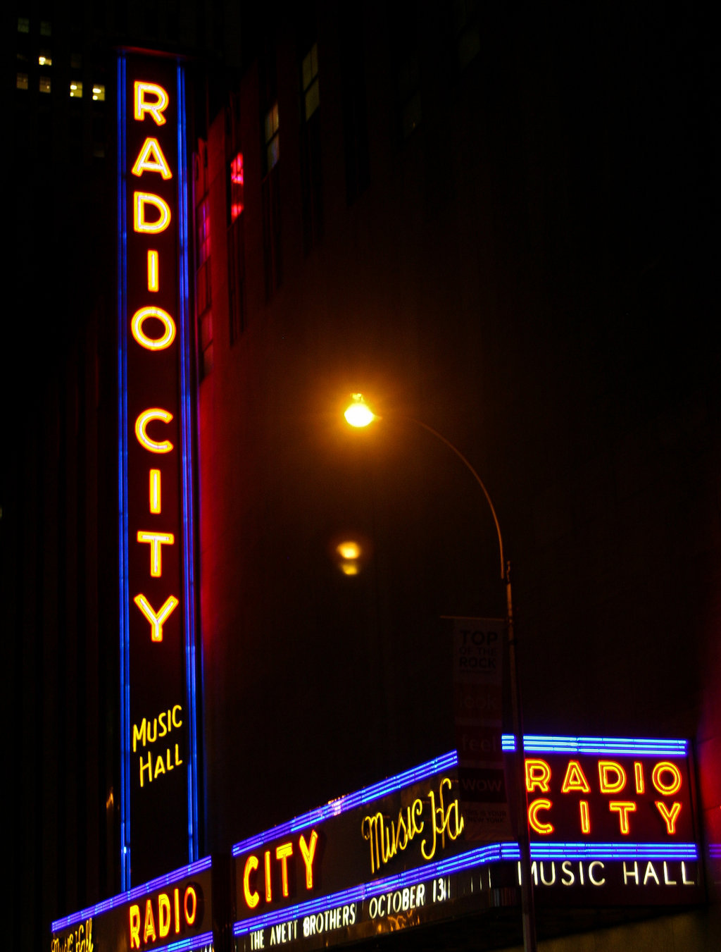 Radio City Lights by ~curlyq139