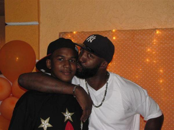 fearlesslyraw:  sonofbaldwin: He loved his son. #TrayvonMartin  So Sad RIP (
