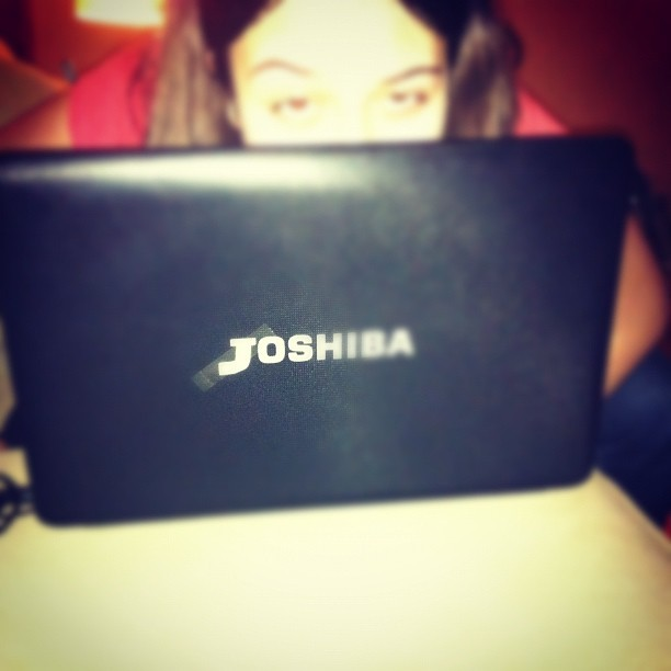 anjaranjado's obsession with JOSH Hutcheson.. her new computer has transformed from Toshiba to JOSHiba. what a cute idea from christinalives