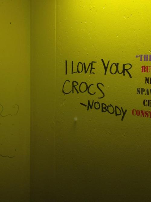 itmakesnosense:  The infinite wisdom of graffiti…