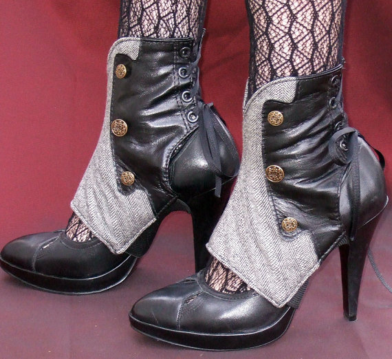 the-tenguman:  dubbleaa:  Spats by EidoL on Etsy  Can has? Please?  Oh. Oh my. Gimme dem spats.