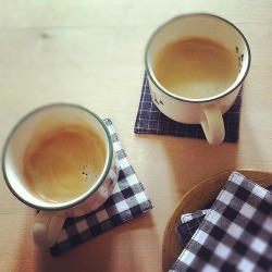 coffeemugsandteacups:  coffee for two (by Cozy Memories)
