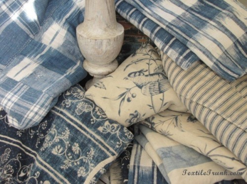 amarauderinrye:     Some lovely lovely LOVELY blue vintage linens from TextileTrunk.com I want everything everything I see!! Tumblr whips my inner greed into a frenzy.