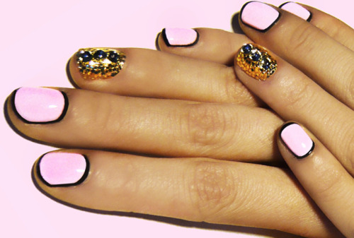 what-do-i-wear:  D.I.Y. Retro Nails (image: teenvogue)