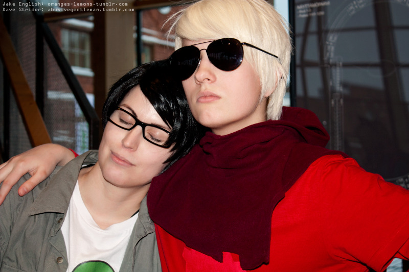 a tender moment Jake English: Ered, Dave Strider: Kai