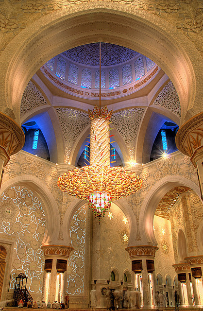 terenaina:  Sheikh Zayed Mosque by manitoon on Flickr.