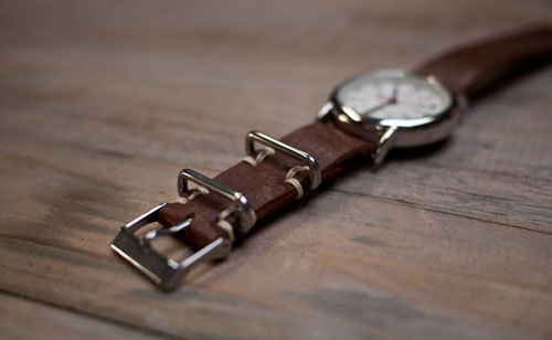 (via diy project: leather watchstrap | Design*Sponge)