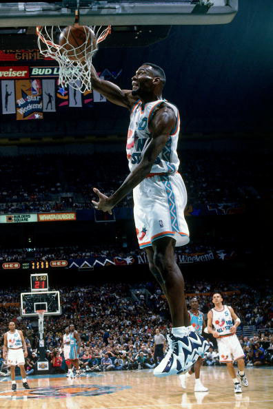 Shawn Kemp w/the #kamikaze's on