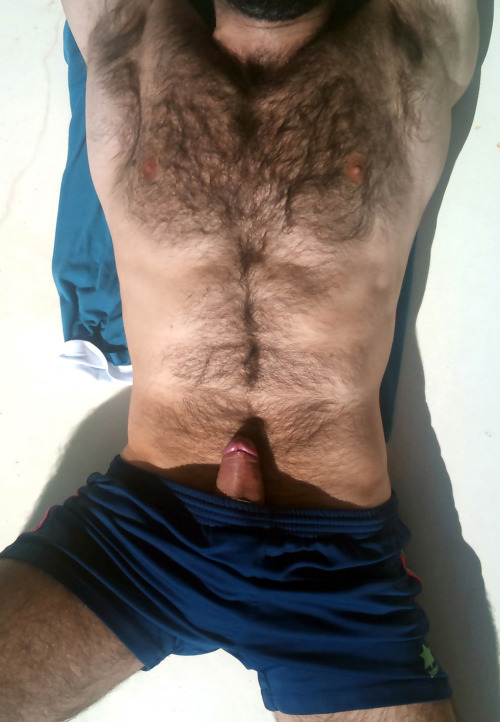 hot4hairy:  H O T 4 H A I R Y  Tumblr |  Twitter | Email HAIR HAIR EVERYWHERE!