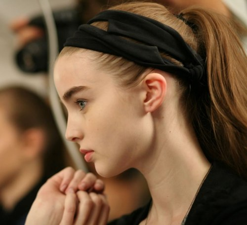 pneumode:  Ali backstage at Marc by  Marc Jacobs S/S 2009