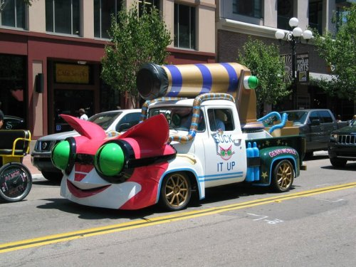 candycoating:  A car promoting Saints Row the Third video game at Comic-Con 2011…I wish I could drive it, just once TT_TT