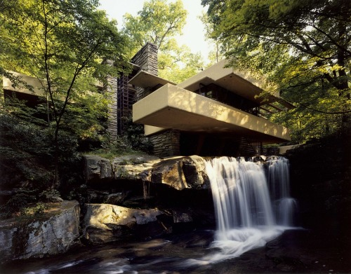 r3darch:  Falling Water by Frank Lloyd Wright 1935 Mill Run Pennsylvania