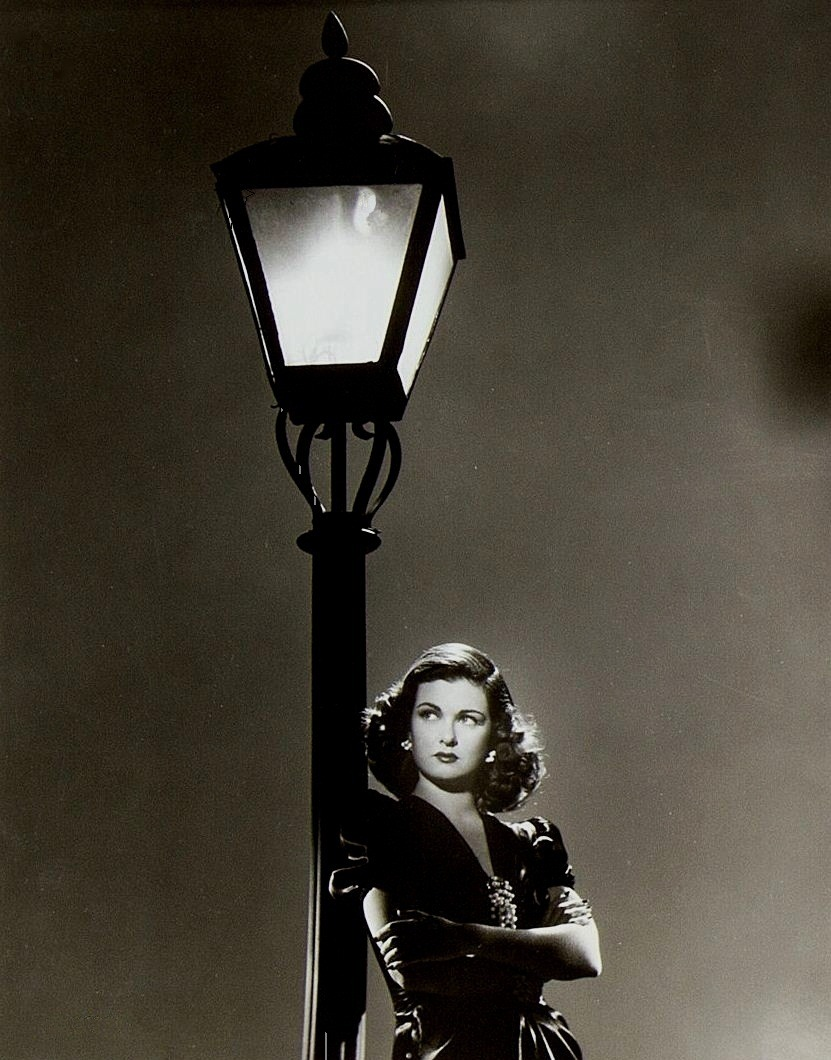 Joan Bennett in publicity still for Scarlet Street (1945, dir. Fritz Lang) (via)
