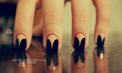 justmynails:  Nude and black *-*