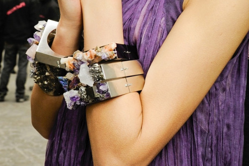 sollace:   t-hrive:  c-aptivate:  err these bracelets are UNREAL  (via imgTumble)  brighten up your dash!!
