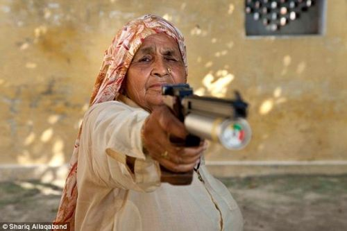 positive-press-daily:  Dirty Harry(Krishna): Indian grandmother, 78, is believed to be the world's oldest professional sharpshooter (click-through for full story)