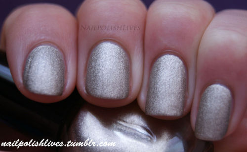 ~ Sephora - nr. 78 :)Two coats, without topcoat because of the matte finish.