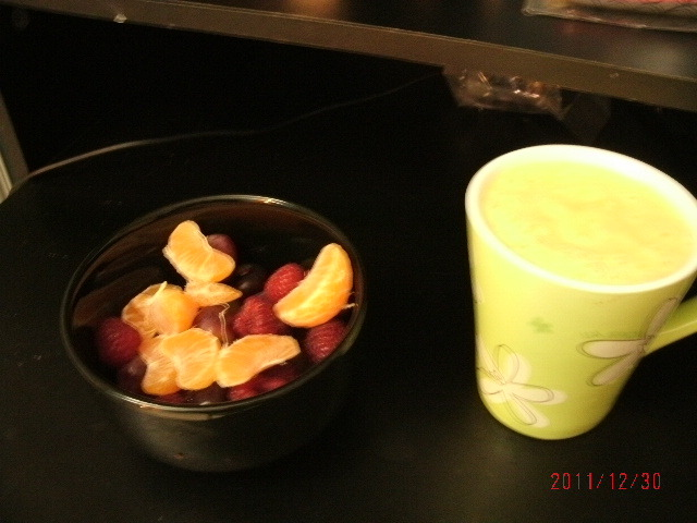 For Breakfast!A Bowl of berries, oranges and also Pineapple Banana Smoothie.It gives a huge hit into your body and you will be very active all day.