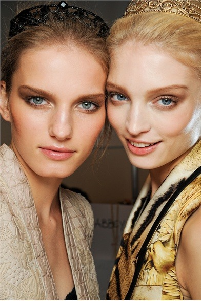 mysinfulthoughts:  Backstage at Roberto Cavalli S/S'12 with Melissa Tammerijn! (Vogue.it)