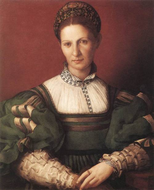 BRONZINO, Agnolo (1503-1572) Portrait of a Lady in Green 1530-32 Oil on panel, 76,7 x 65,4 cm Royal Collection, Windsor