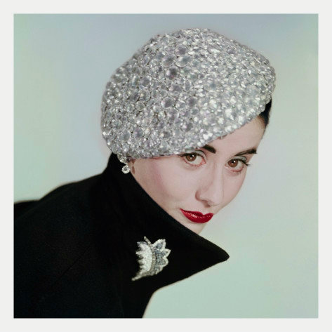 theniftyfifties:  Photo by Erwin Blumenfeld for Vogue, 1951