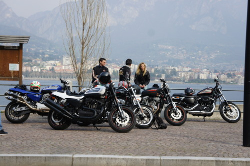 lucapizzorno:  Un po' di H-D sulle rive del lago di Como, in un giro organizzato dalla Numero Uno Milano Just some H-D on the side of Como Lake, on a tour organized by Numero Uno Milano, first H-D european dealer.