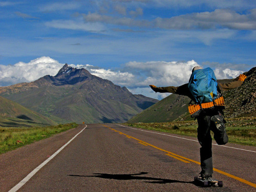 climb-higher:  emgeemann:  Freedom. I want to do a long trek skate trip so badly… -MG  me too..