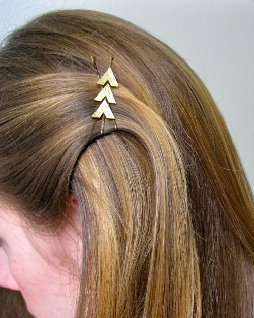 DIY Katniss Hunger Games Inspired Bobby Pins. Using shrink plastic. Tutorial from Art for All here.