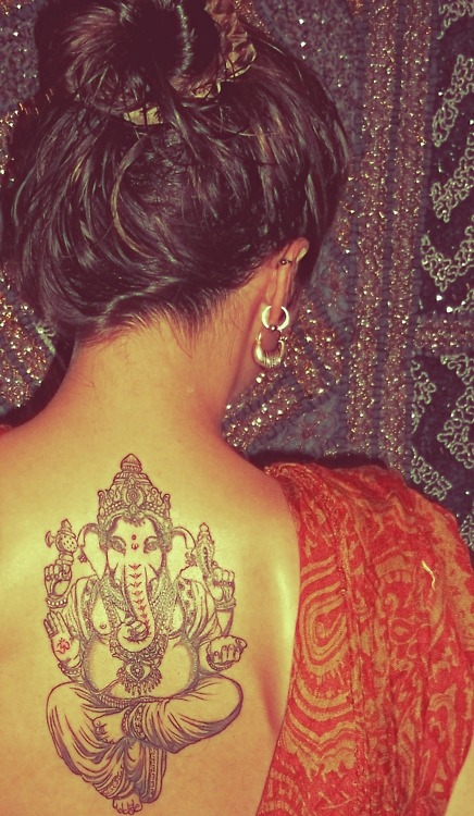 tuesdai:  queeeenfrostine:  considering a lakshmi tattoo. i fuckin love this!  Okay, but isn't this Ganesha?