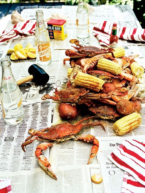 driftingfocus:  squaremeal:  (via Entertaining with Style / Seafood boil)  WANT.  NOW.