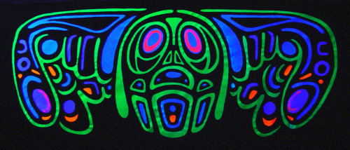 fuckyeahchromadepth:  neurotic chihuahua UV by ~pezoid